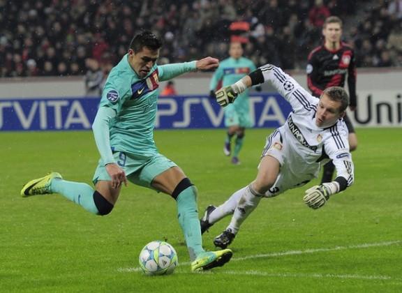 Goles de Alexis al Bayer Leverkusen 1