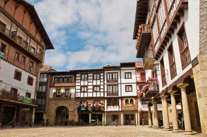 hondarribia_fuenterrabia_medieval_old_town_basque_country_spain_euskadi_680
