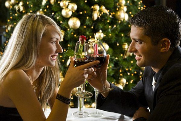 things-to-talk-about-on-a-first-date-2024242983-jul-3-2012-600x400